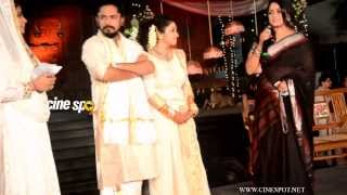 getlinkyoutube.com-Kavya Madhavan at Ann Augustine wedding reception