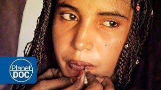 getlinkyoutube.com-Sahrawi women | Nomads of the Sahara