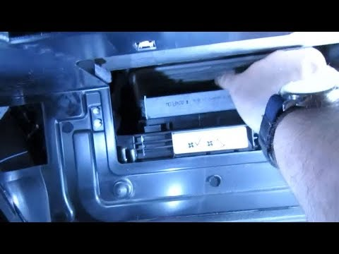 Atlantic British Presents: Replace Pollen Filter on a 2014 Range Rover Sport