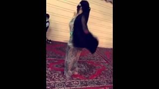 getlinkyoutube.com-رقص على شيله والجسم روعه 😫😫😫