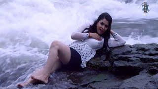 getlinkyoutube.com-Aag Lagal Ba Sagro | HOT Bombshell - Baagi Bhaile Sajna Hamar | Amrapali