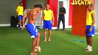 getlinkyoutube.com-Joga Bonito Compilation ● ft. Ronaldinho, Ronaldo, Cristiano Ronaldo, Zlatan Ibrahimovic