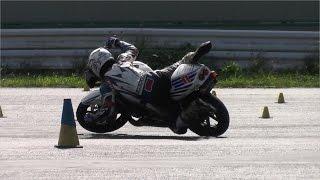getlinkyoutube.com-MotoGymkhanaトップライダーの転倒回避術