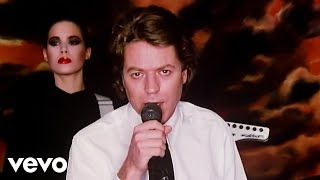 getlinkyoutube.com-Robert Palmer - Addicted To Love
