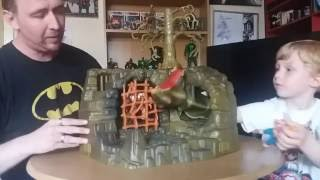 getlinkyoutube.com-Masters of the Universe Fright Zone Playset 1980s Toy Review by Father and 4 Year Son