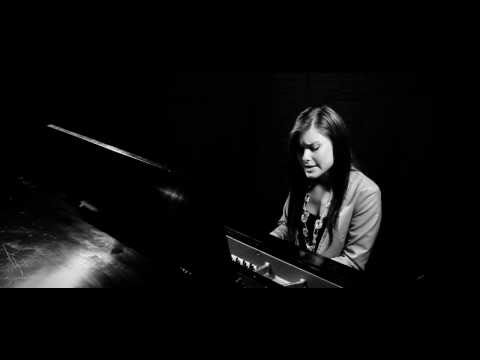 Nobodys Perfect & Price Tag - Jessie J (Amor Cover Piano)