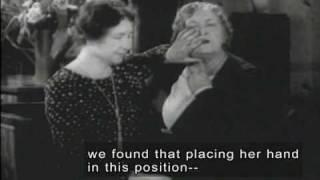 getlinkyoutube.com-Helen Keller & Anne Sullivan (1928 Newsreel Footage with Open Captions and Audio Description)