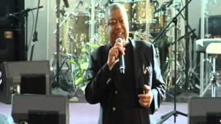 getlinkyoutube.com-Ron Kenoly-Worship His Majesty 2013-King's Temple 08-25-2013