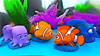 getlinkyoutube.com-Finding Nemo Bath Squirters Surprises Nemo Marlin Dory Pearl Gill Bubbles Bruce Bloat Squirt