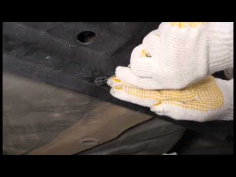 Где в Chevrolet Камаро находится предохранитель фонарей заднего хода