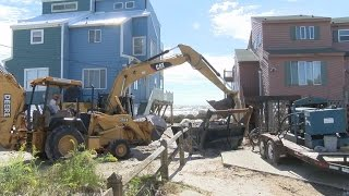 getlinkyoutube.com-North Topsail officials bring in local contractor to help rebuild sand bag line