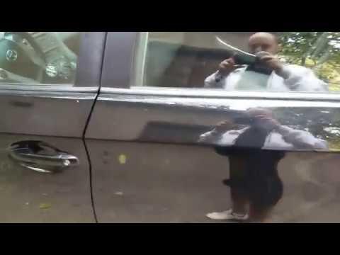 Toyota prius как открыть багажник 2 способа