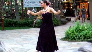 getlinkyoutube.com-ロイヤル・ハワイアンセンター・ワイキキで行われたフラダンス・ショー