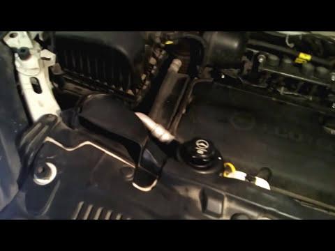 Расположение бачка гидроусилителя руля в Opel Zafira Tourer