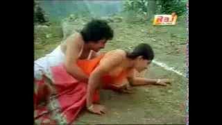 getlinkyoutube.com-Desi aunty turns horny while playing