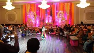 getlinkyoutube.com-Best Mehndi Dance 2014 - Zaid and Anza - Surprise Groom Performance