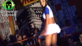 getlinkyoutube.com-Секси девушка в ночном клубе