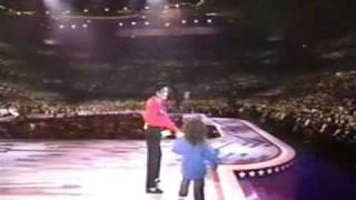 Michael Jackson - Live Performance At Presidential Gala Part 2