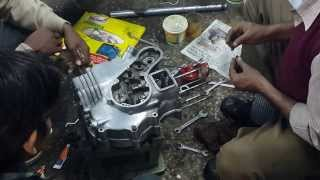 getlinkyoutube.com-Royal Enfield Bullet Standard 350 Engine Fitting - Part 3
