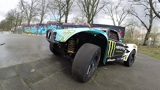 getlinkyoutube.com-Losi 5ive-t - drifting 'till the rim breaks !
