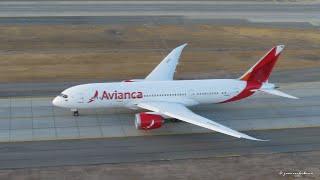 Avianca Boeing 787-8 Dreamliner (N780AV) despegando desde Santiago a Bogotá