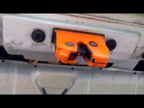 Как поменять (заменить) замок багажника Skoda Octavia Tour
