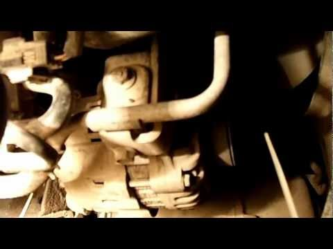 Где в Nissan Vanette находится щуп масла в двигателе