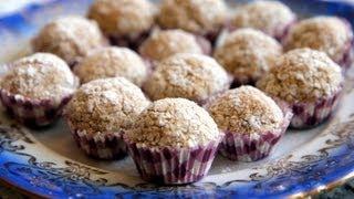 getlinkyoutube.com-Recette de gâteaux aux amandes et noix de coco / almond and coconut cookies recipe