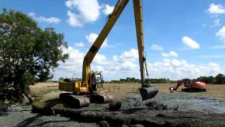 getlinkyoutube.com-Komatsu PC240 LONG REACH  Thouzeau.MOV