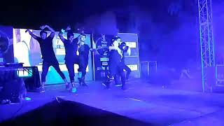 Akh Lad Jaave Tiger Dance
