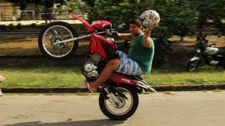 getlinkyoutube.com-Vitinho dú Grau - Bros 2013 - Wheelies