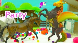 getlinkyoutube.com-New Years Eve 2017 Party with Breyerfest Mare + Breyer Traditional Horses - Play Video