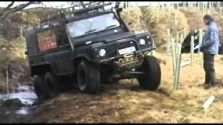getlinkyoutube.com-6 wheel drive Land Rover Defender 6x6