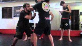 TV Meiaguarda- Edmárcio Rodrigues ensina técnicas de Jeet Kune Do