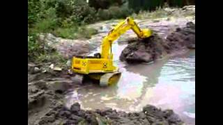 getlinkyoutube.com-RC Dozers, Excavators, and Loaders Dredging - RC Construction