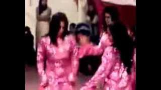 getlinkyoutube.com-رقص اماراتى  مثير للكبار نار Emirates sexy dance for senior fire
