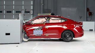 getlinkyoutube.com-2017 Hyundai Elantra small overlap IIHS crash test