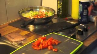 """getlinkyoutube.com-"""" -18kg """" Mon repas le plus fréquent : mélange de légume, viande, féculent - ThePrettyUsCook"""