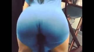 best twerkers on the net ( big booty in sundress)