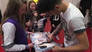 getlinkyoutube.com-Meeting One Direction - MEN Arena - 16.03.13