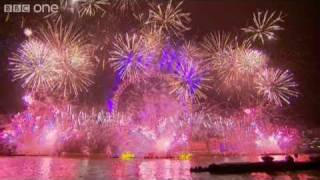 getlinkyoutube.com-London Fireworks on New Year's Day 2011 - New Year Live - BBC One