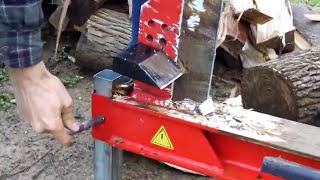 getlinkyoutube.com-Grillo G107 walk-behind tractor running Wood splitter