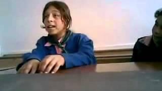 getlinkyoutube.com-بنت تغني جد صوتها روعه