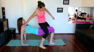 getlinkyoutube.com-YOGA CHALLENGE   2 GIRLS