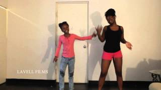 getlinkyoutube.com-Watch out for the big girls - Shay & Riah