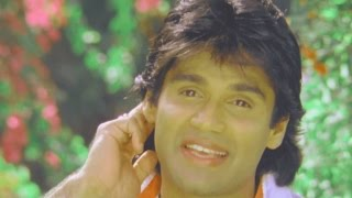 getlinkyoutube.com-Sunil Shetty, Divya Bharti, Balwaan -  Romantic Scene 5/24