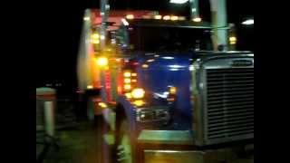 getlinkyoutube.com-Straight Piped Freightliner 2