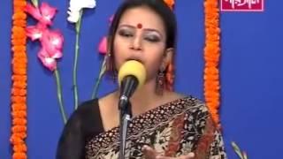 getlinkyoutube.com-Mukta shorkar bangla Folk song   Tomra amay ki bujaiba