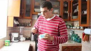 "getlinkyoutube.com-Parodia de Danza Kuduro - ""El Pan Ta Duro""- Pancholanda - 2011"