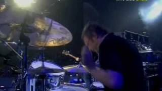 Oasis - Falling Down (Live Wembley 2008) (High Quality video)(HD)